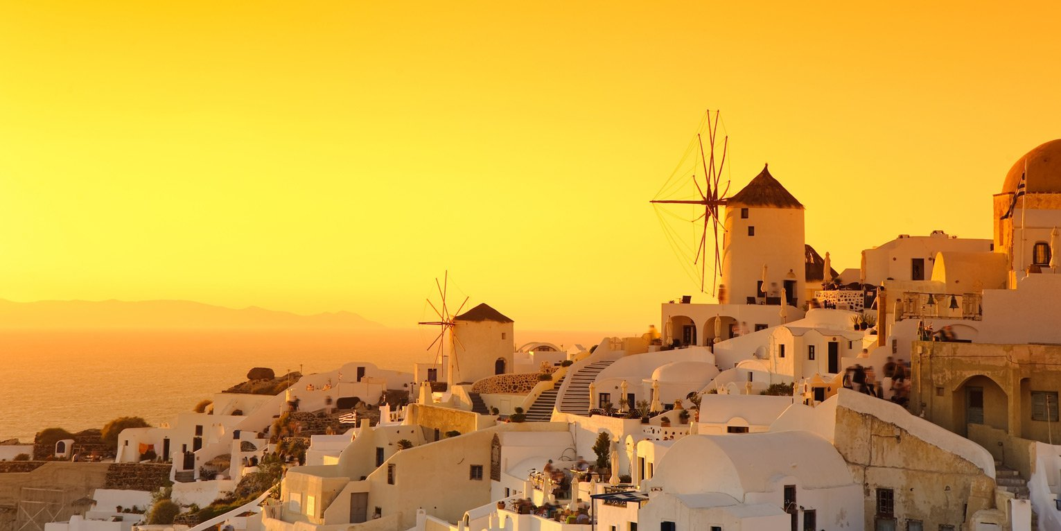 Rent a car from SantoriniCarHire.com and enjoy the sunset.